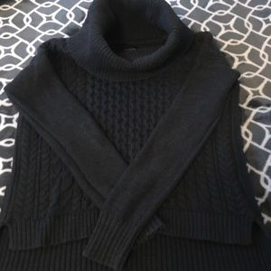 Sweaters - Turtle neck knitted sweater